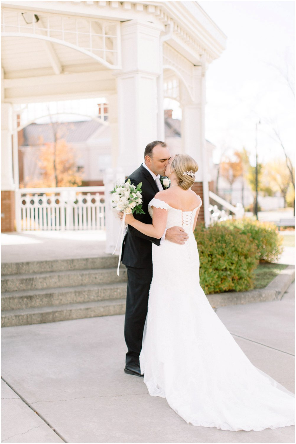 Gazebo wedding - Calgary Wedding Photographers_5185