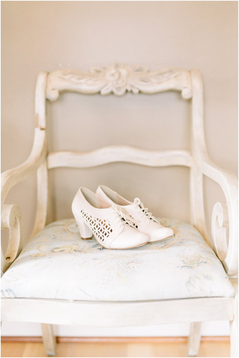 wedding shoes - Calgary Wedding Photographers_5187