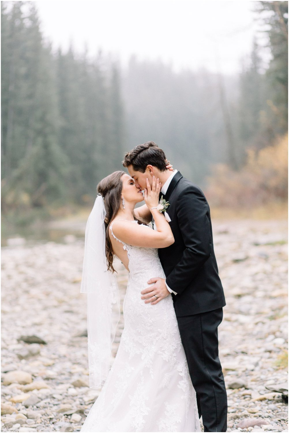 Wedding at fish creek park - Calgary Wedding Photographers_5202