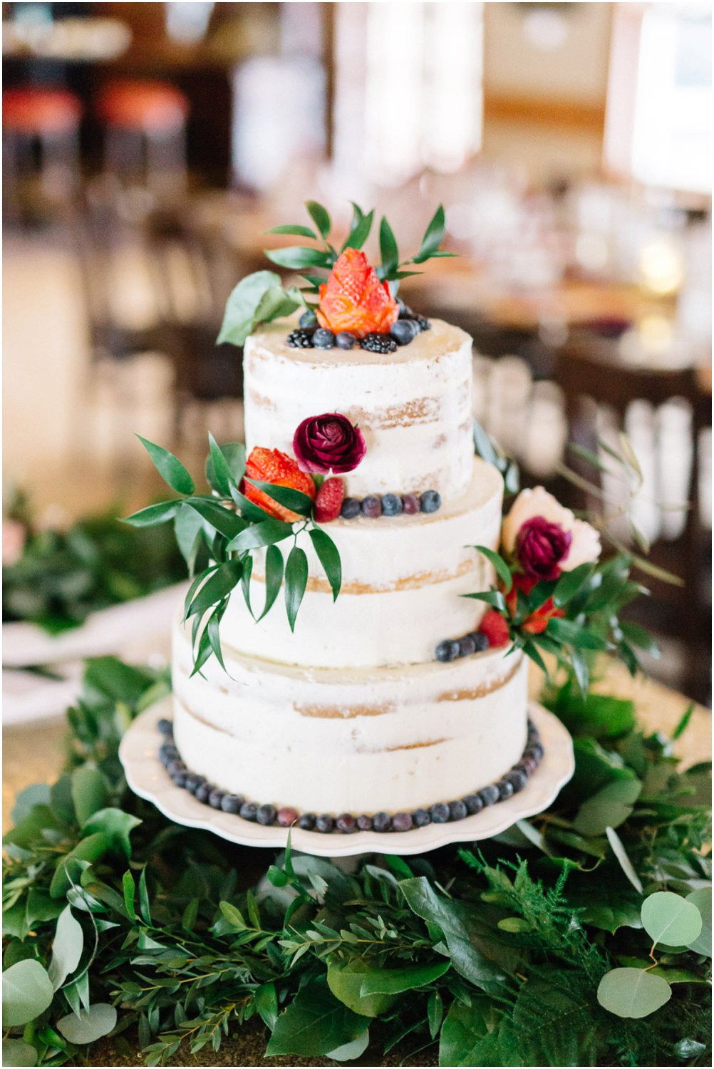 winter wedding cake - Calgary Wedding Photographers_5203