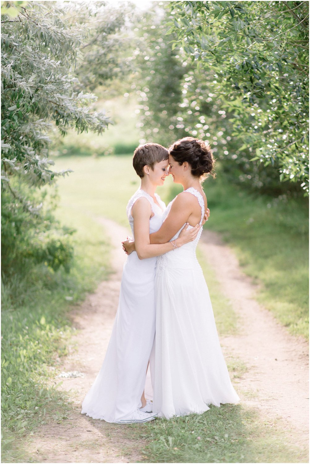 lesbian wedding photograper - Calgary Wedding Photographers_5222