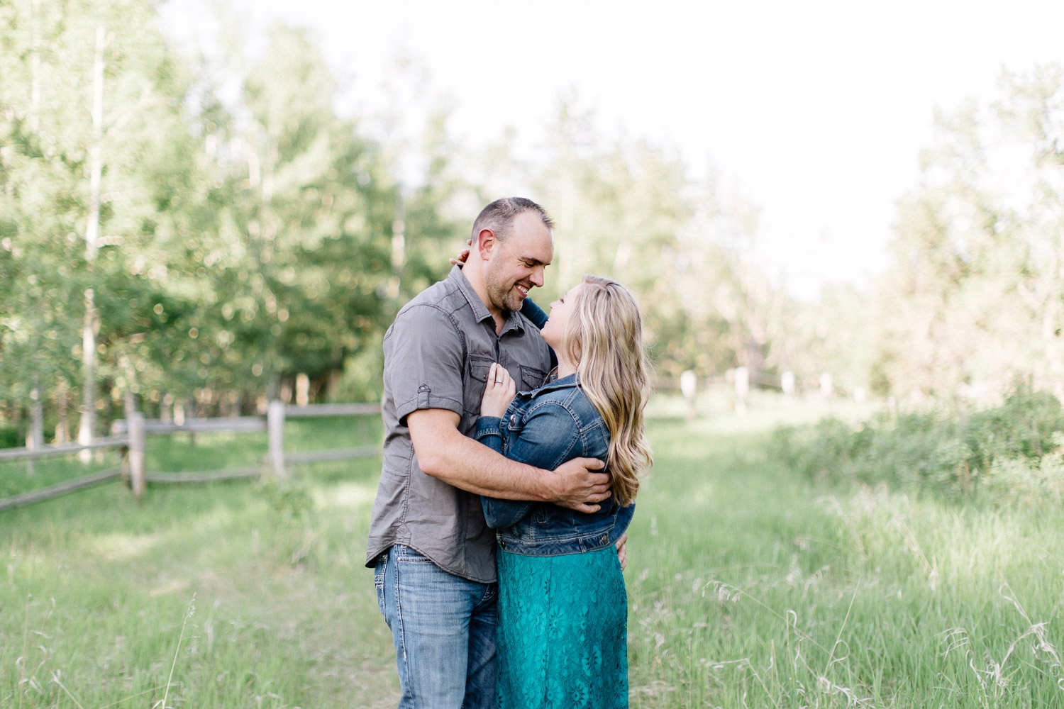 Fish creek engagement - Calgary Wedding Photographer_4631