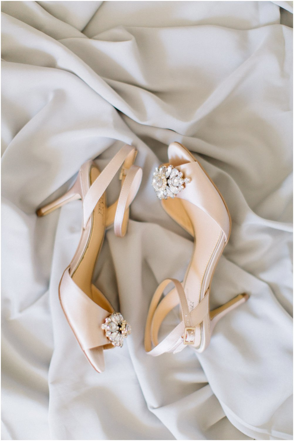 Wedding shoes - Calgary Wedding Photographer_4958
