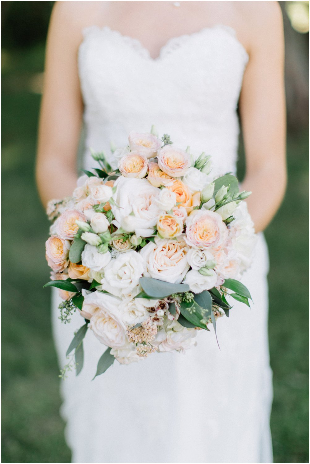 Blush bouquet - Calgary Wedding Photographer_4992