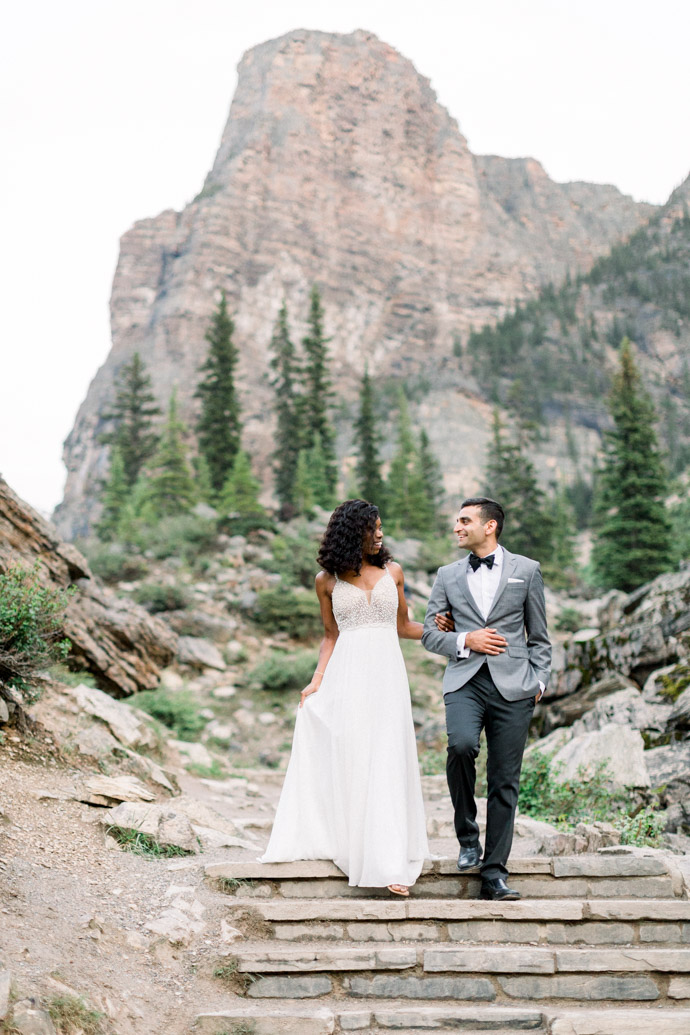 engagement session at moraine lake